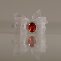 1 Bow White w.Red stone
