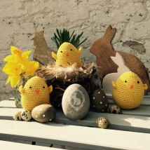 Hand-crocheted chicken - yellow