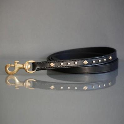 LEATHER LEASH WITH DECORATIONS - BLACK